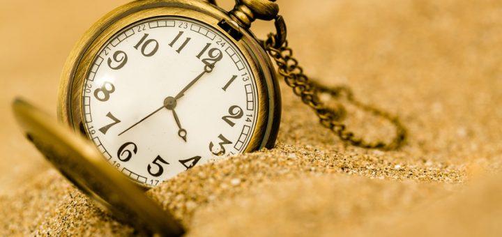 Time, clock, beach.